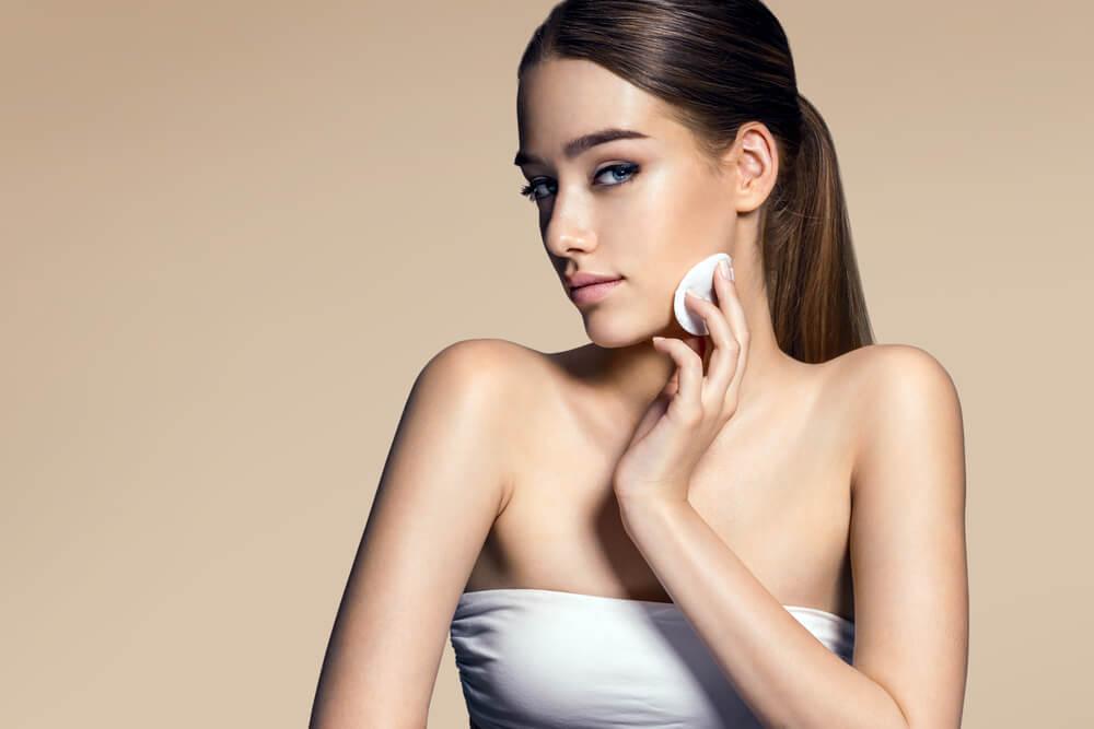 Fotoodmładzanie, czyli sposób na usunięcie efektów starzenia się skóry