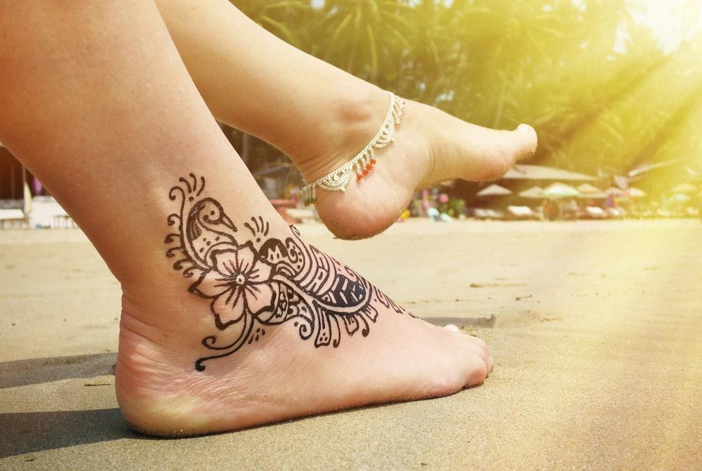 Jak przygotować się do zabiegu laserowego usuwania tatuażu? – poradnik