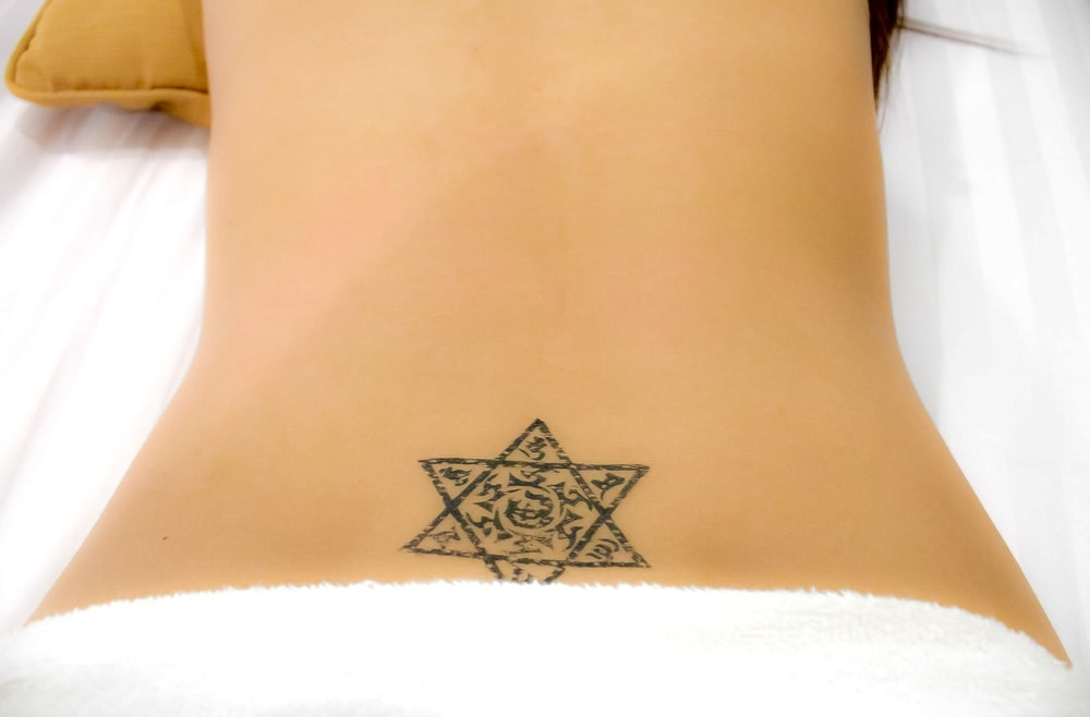 Najlepszy sposób na usunięcie niechcianego tatuażu lub pozbycie się nieudanego makijażu