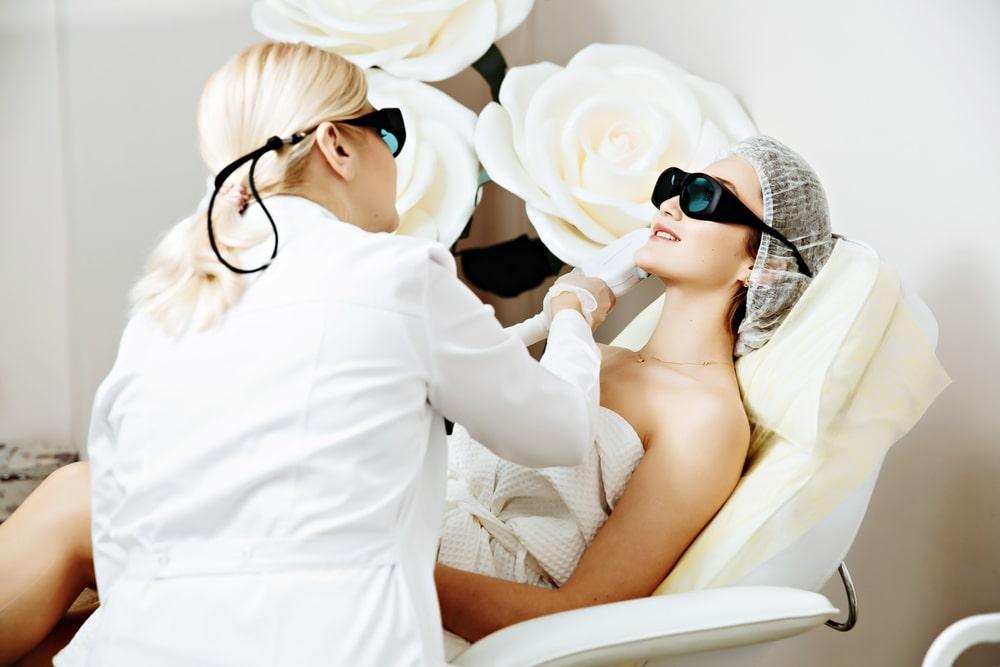 Przebarwienia skóry – problem natury estetycznej czy zdrowotnej?
