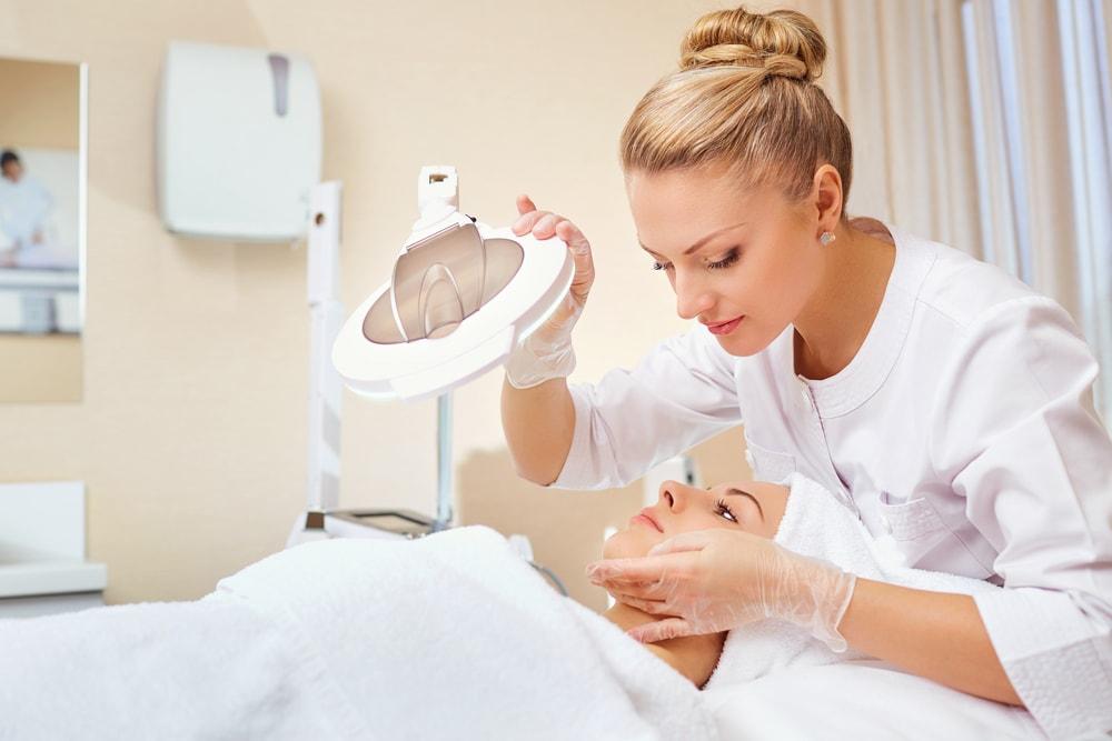 Dermatolog – czym się zajmuje?