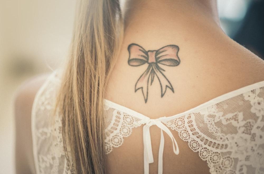 Doraźne sposoby na zmniejszenie widoczności tatuażu