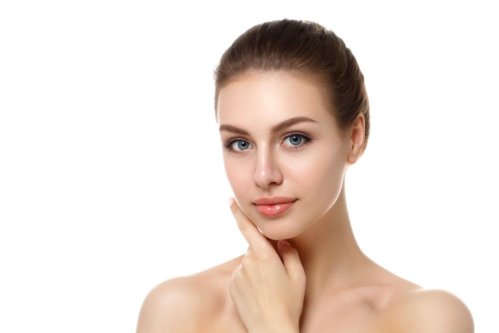 Laserowa plastyka powiek górnych i lifting brwi – prosty sposób na odmłodzenie spojrzenia