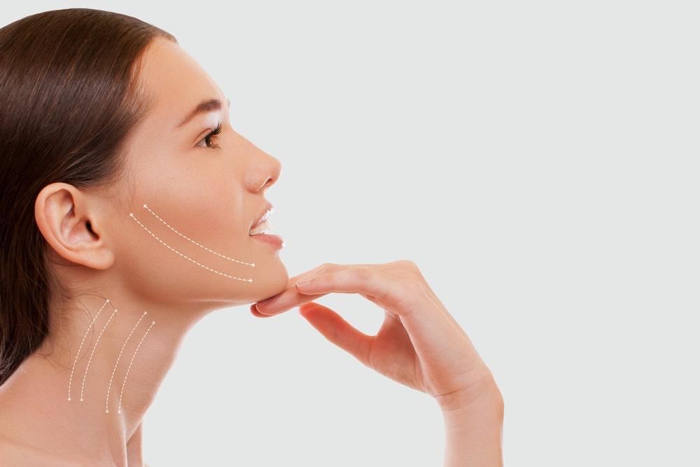 Modelowanie i poprawa owalu twarzy, czyli lifting wolumetryczny w roli głównej