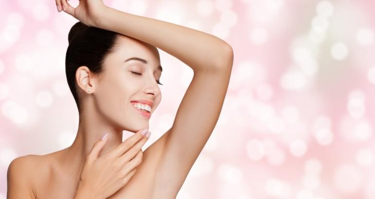 Jak pozbyć się nieestetycznego wąsika i tzw. meszku z policzków i brody?