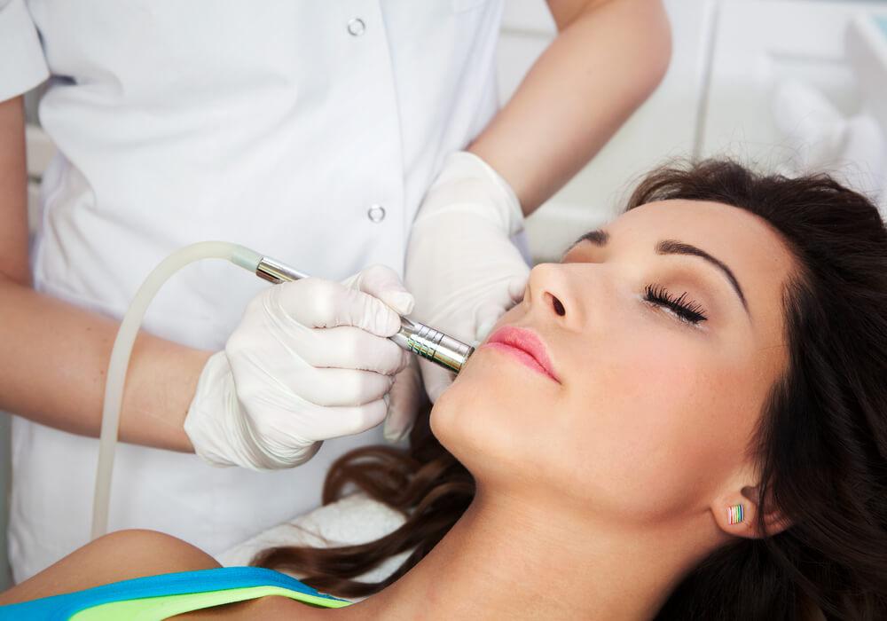 Zabiegi medycyny estetycznej – czy można przeprowadzić je w trakcie ciąży?